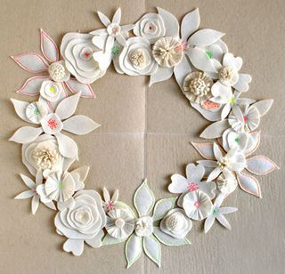 Felt-flower-wreath-2