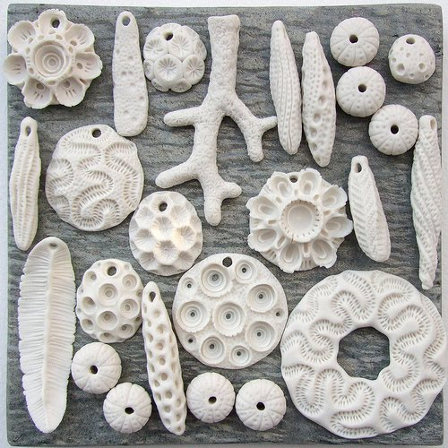 C-URCHIN UNGLAZED PORCELAIN CORAL GROUP