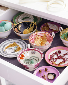 Teacup-jewelry-drawer