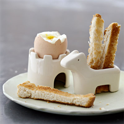 Castle-soldiers-egg-cup