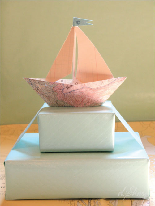 Map-boat-gift-wrap