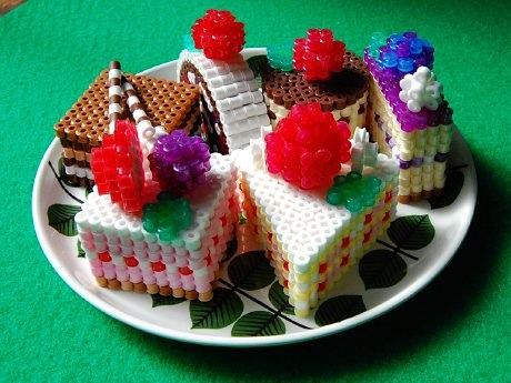 Perler-bead-cakes