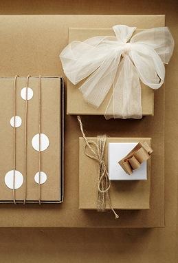 Butcher-paper-gift-wrap-trendenser
