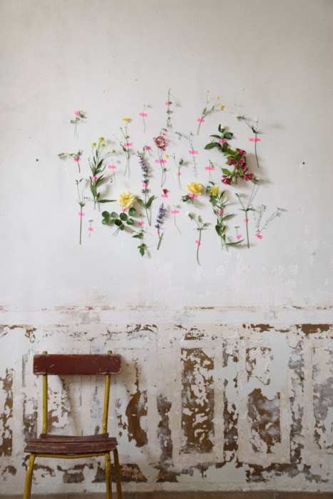 Washi-tape-wall-flowers