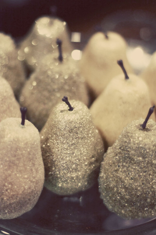 Glittered-pear-fruit-decor