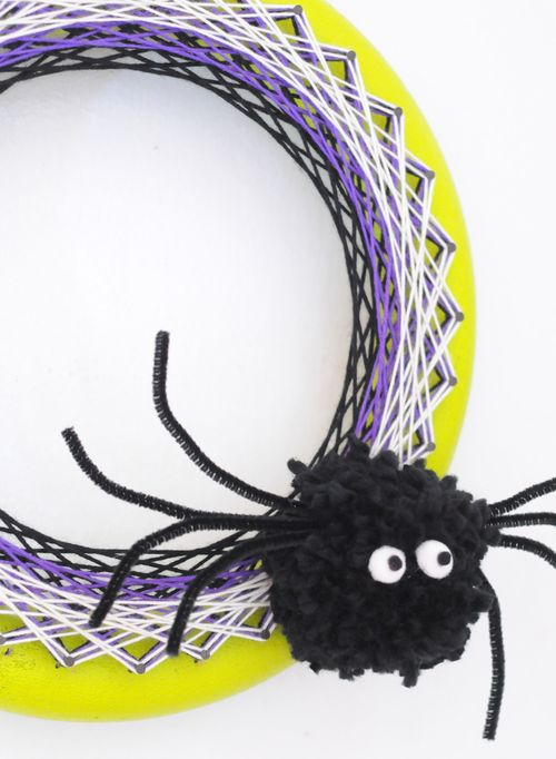 String-art-spider-wreath-3